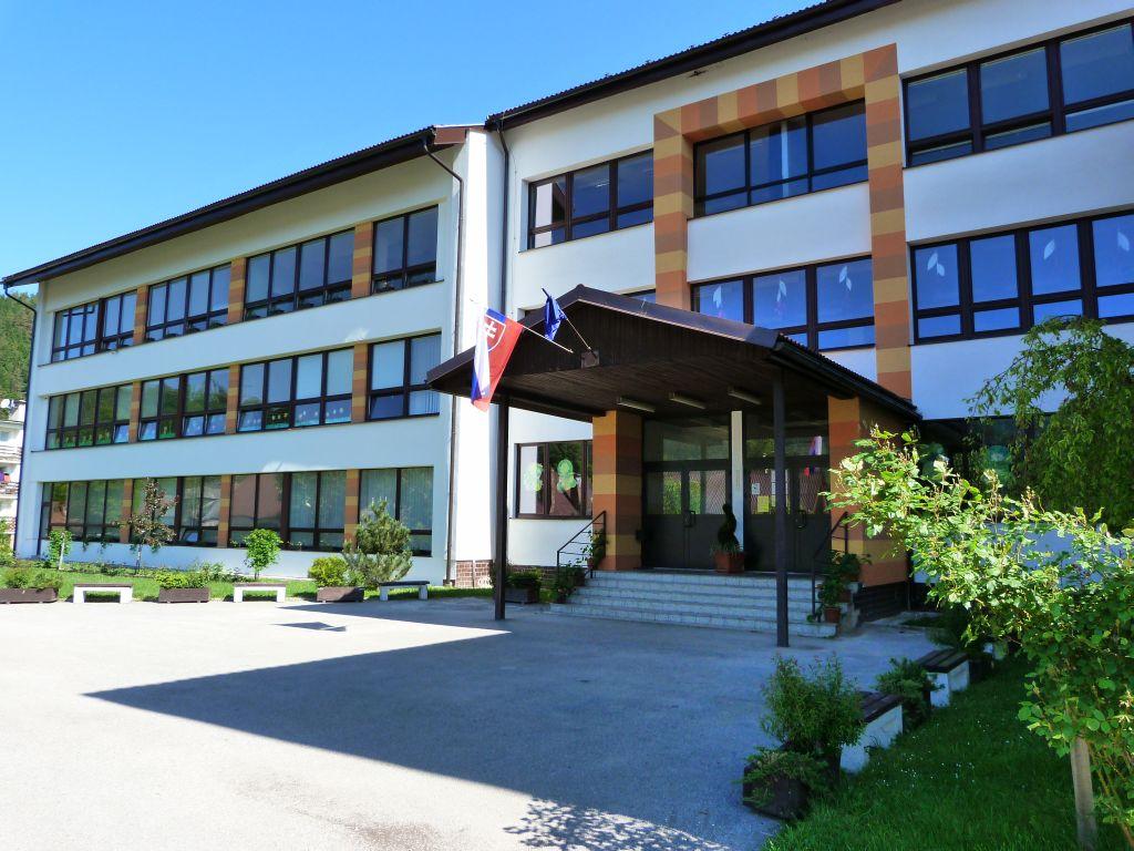 2015skola01.jpg